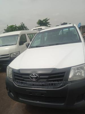 Toyota Hilux 2014 SR 4x4 White   Cars for sale in Lagos State, Ojota