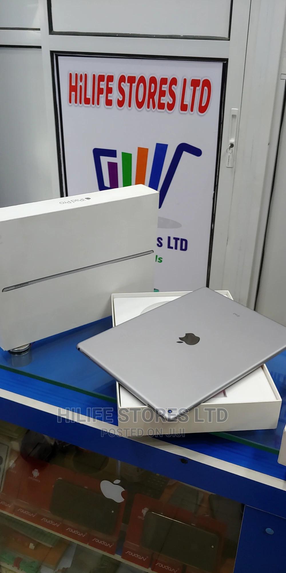 Apple iPad Pro 12.9 (2015) 128 GB Gray