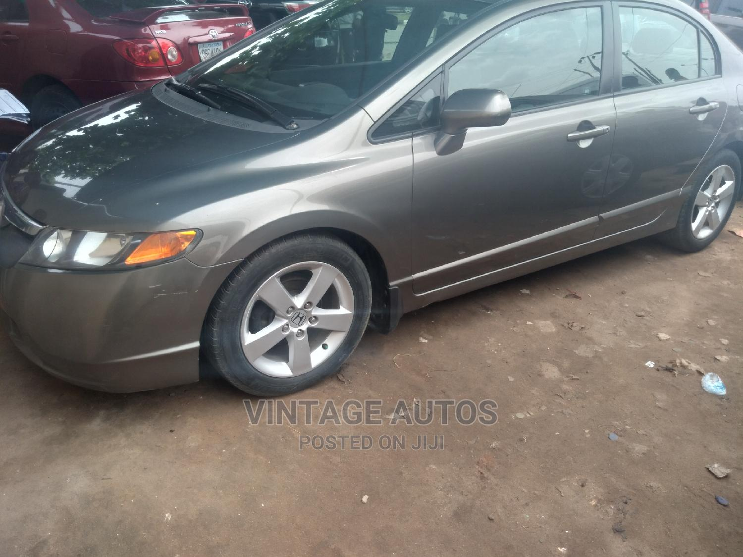 Archive: Honda Civic 2008 Gray