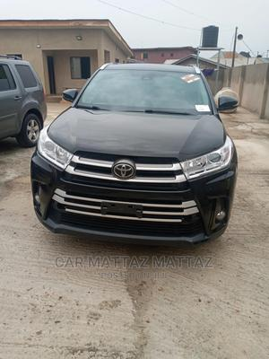 Toyota Highlander 2017 XLE 4x4 V6 (3.5L 6cyl 8A) Black   Cars for sale in Lagos State, Ikeja
