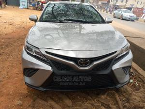 Toyota Camry 2018 SE FWD (2.5L 4cyl 8AM) Silver   Cars for sale in Lagos State, Isolo