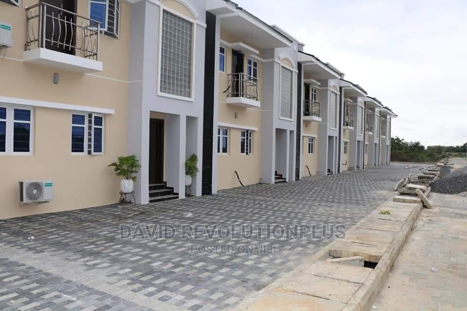 3 Bedrooms Block of Flats for Sale in Flourish Residences, Sangotedo