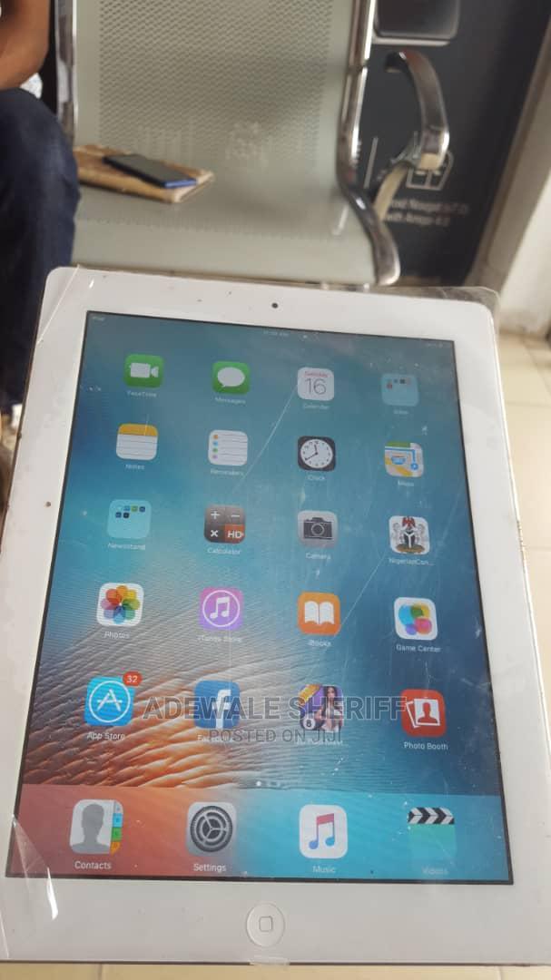 Archive: Apple iPad 2 Wi-Fi 16 GB Silver