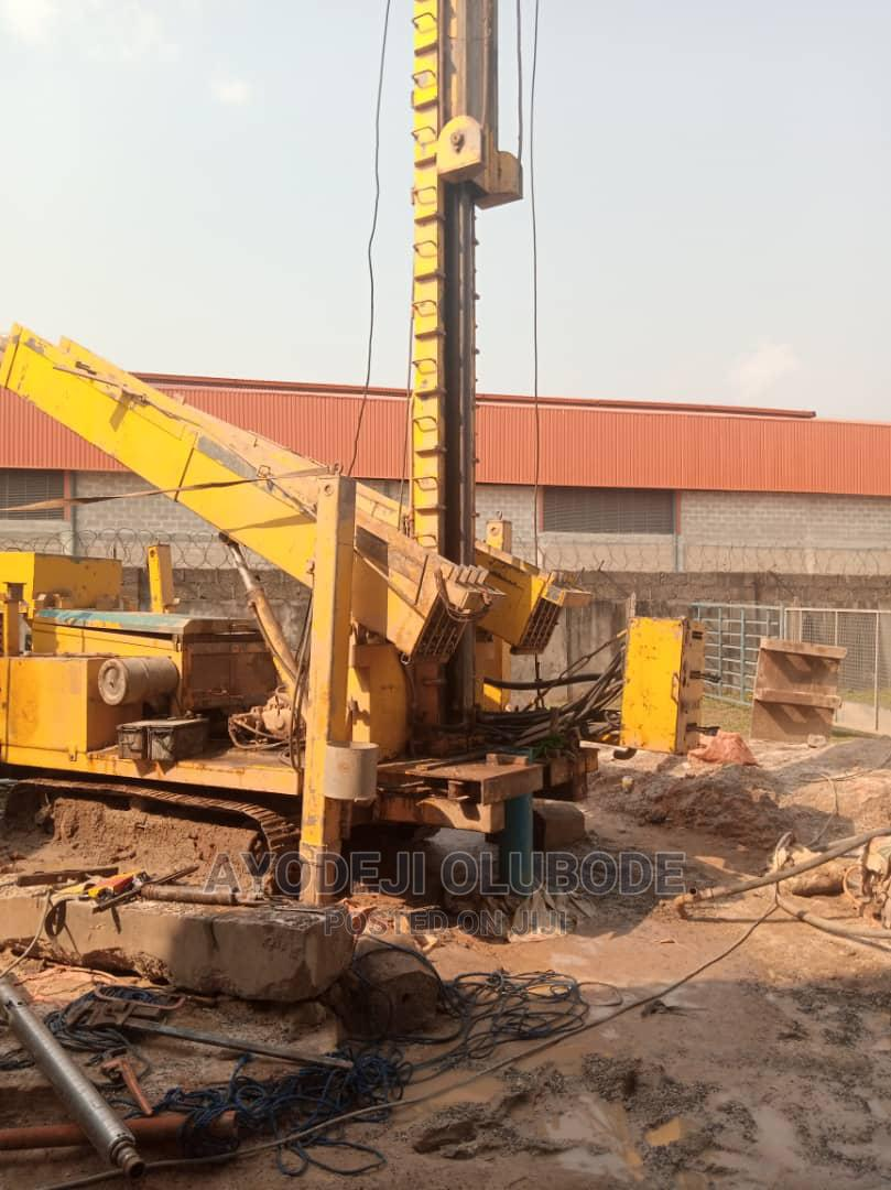 DRILLING RIG Capacity: 600m Complete With Pipes