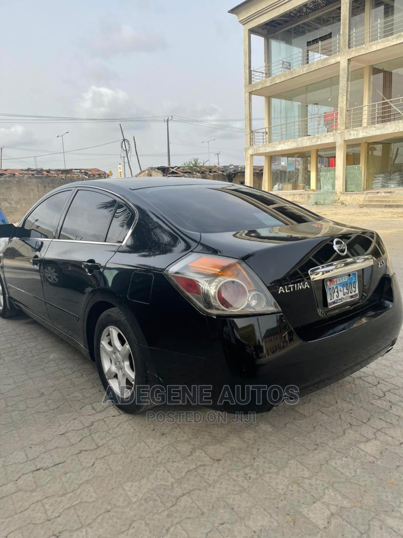 Archive: Nissan Altima 2010 Black