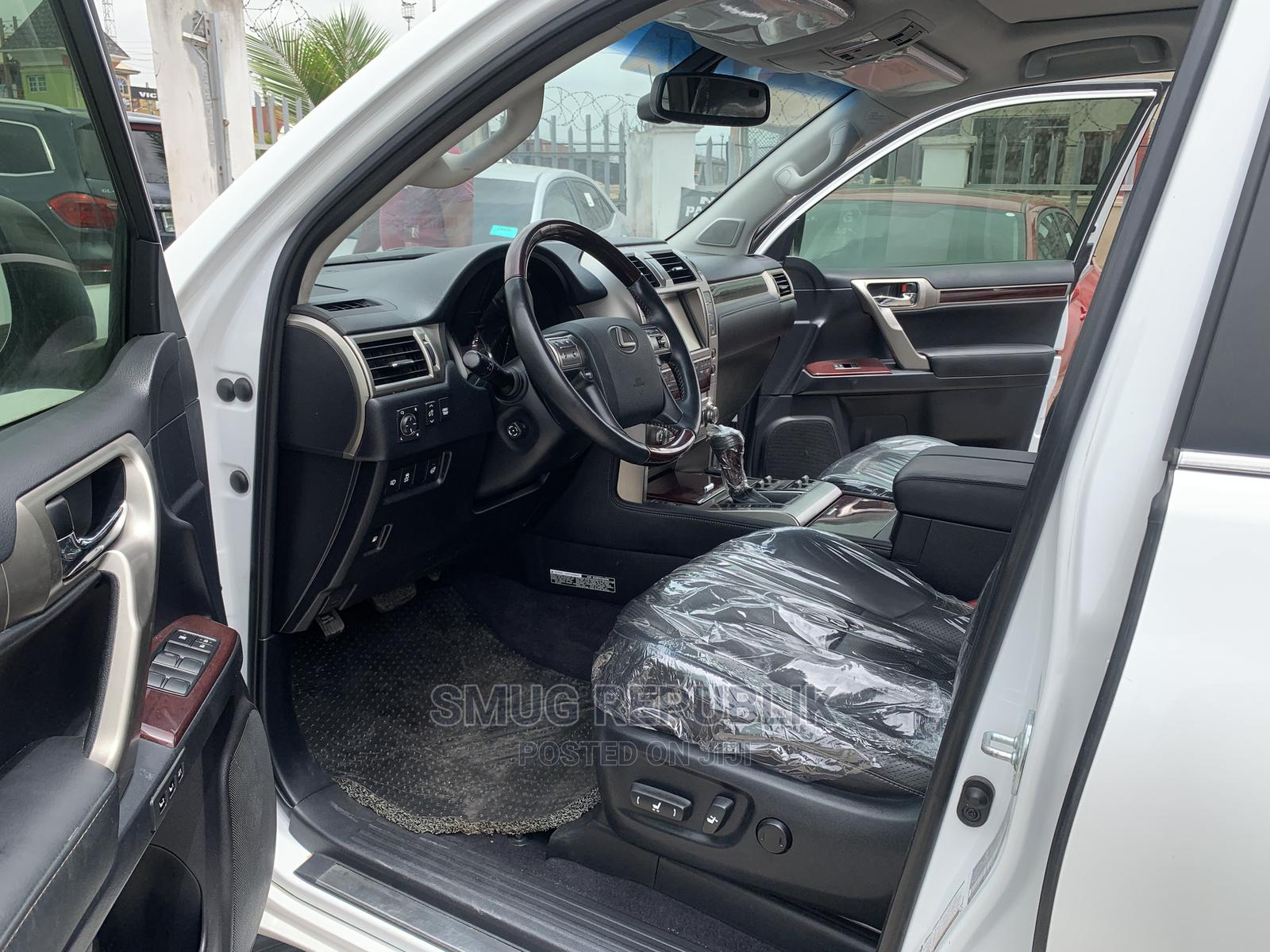 Lexus GX 2015 460 Luxury White | Cars for sale in Amuwo-Odofin, Lagos State, Nigeria