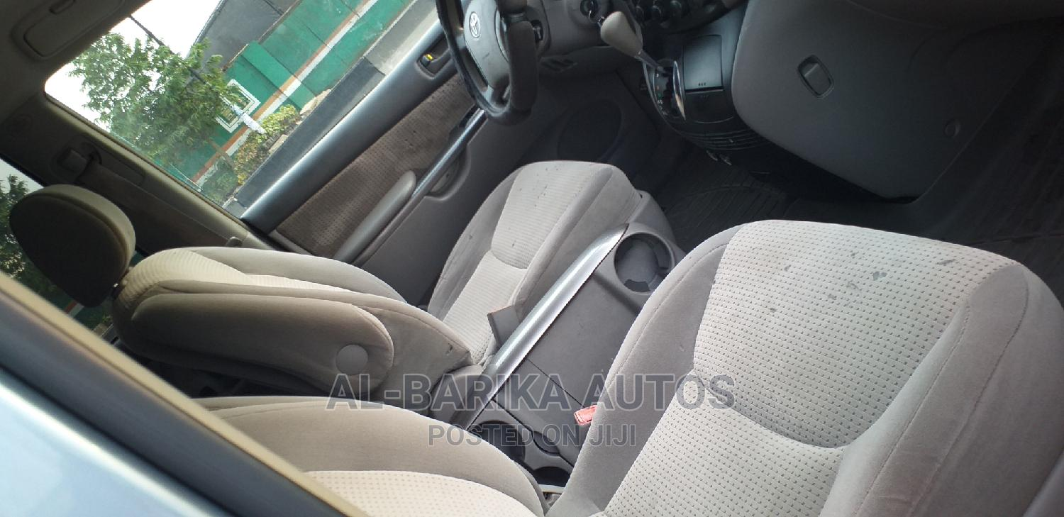 Archive: Toyota Sienna 2007 LE 4WD Blue