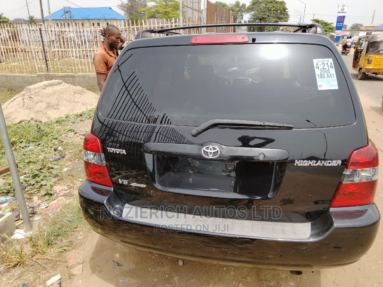 Archive: Toyota Highlander 2005 V6 4x4 Black
