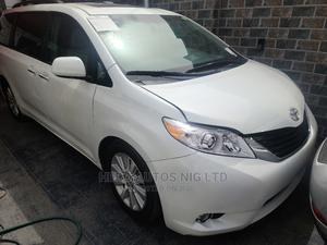 Toyota Sienna 2012 XLE 8 Passenger White   Cars for sale in Lagos State, Surulere