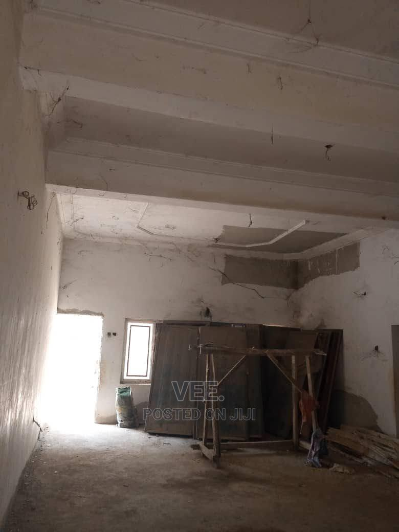 Archive: 3 Bedroom Block of Flat Pre-Finished