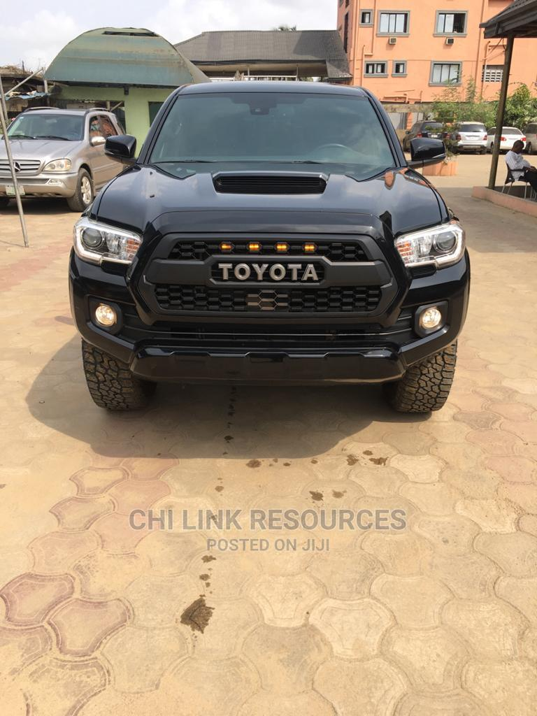 Toyota Tacoma 2018 Black