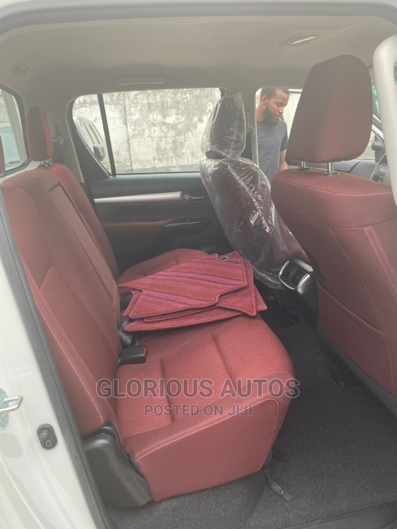 New Toyota Hilux 2019 SR5 4x4 White | Cars for sale in Isolo, Lagos State, Nigeria
