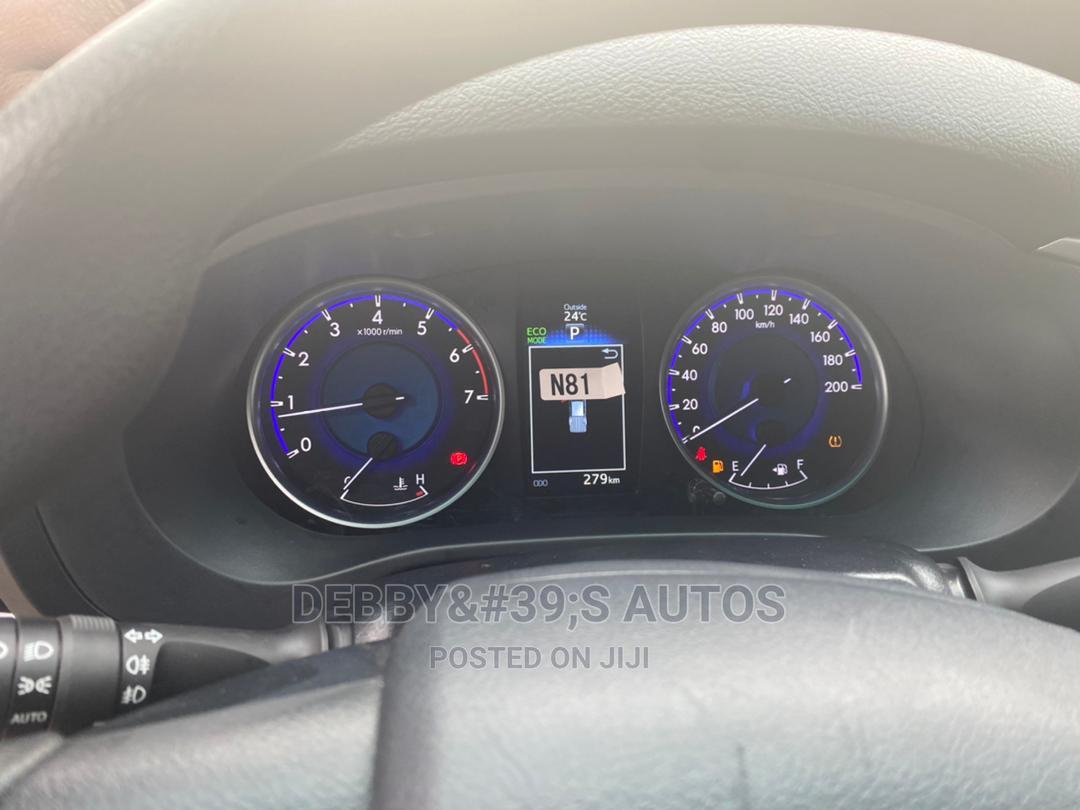 Archive: New Toyota Hilux 2019 SR5 4x4 White
