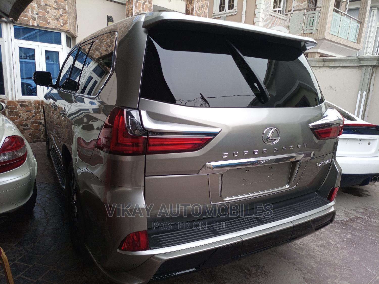 Archive: Lexus LX 2020 570 Three-Row Gray