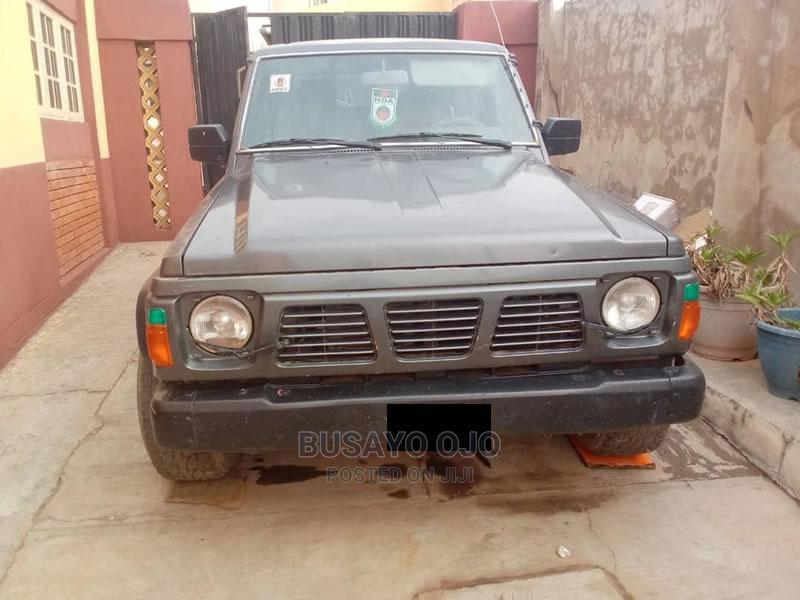 Archive: Nissan Patrol 1998 GR Wagon Gray
