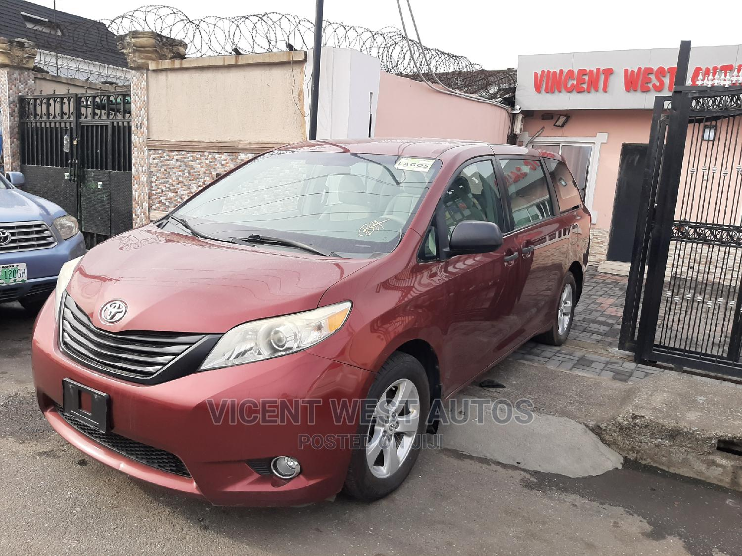 Archive: Toyota Sienna 2011 LE 7 Passenger Red