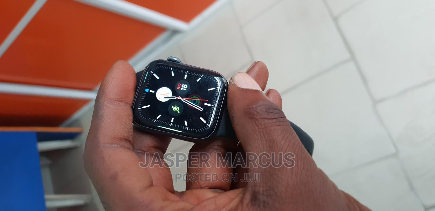 Apple Watch Series 4 | Smart Watches & Trackers for sale in Aba South, Abia State, Nigeria