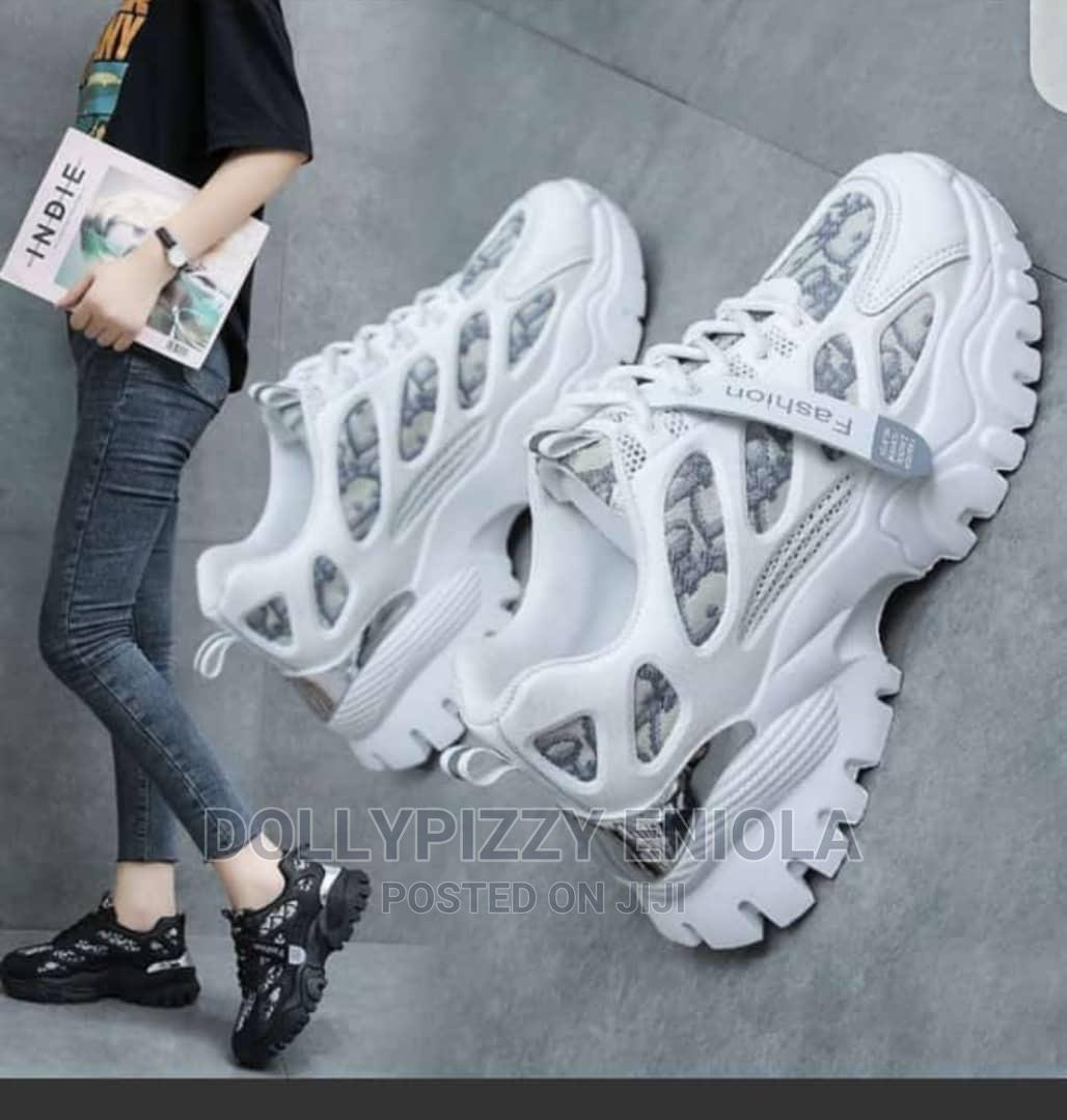White Fashion Sneakers Size 40 | Shoes for sale in Osogbo, Osun State, Nigeria