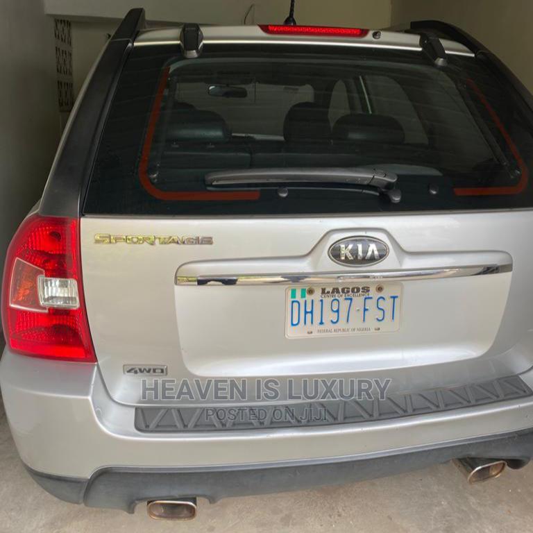 Kia Sportage 2009 Silver | Cars for sale in Lagos Island (Eko), Lagos State, Nigeria