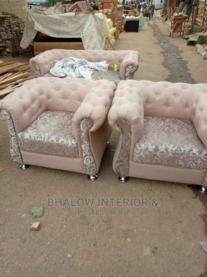 5 Seater Button Sofa   Furniture for sale in Lagos State, Agege