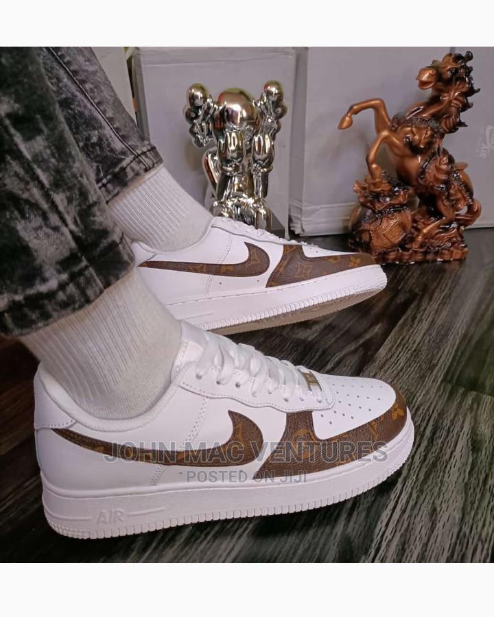 New Original Nike Sneakers | Shoes for sale in Eko Atlantic, Lagos State, Nigeria
