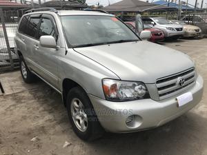 Toyota Highlander 2004 V6 AWD Silver | Cars for sale in Lagos State, Lekki