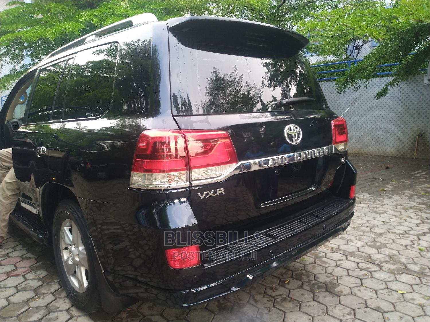 Toyota Land Cruiser 2018 5.7 V8 VXR Black | Cars for sale in Central Business Dis, Abuja (FCT) State, Nigeria