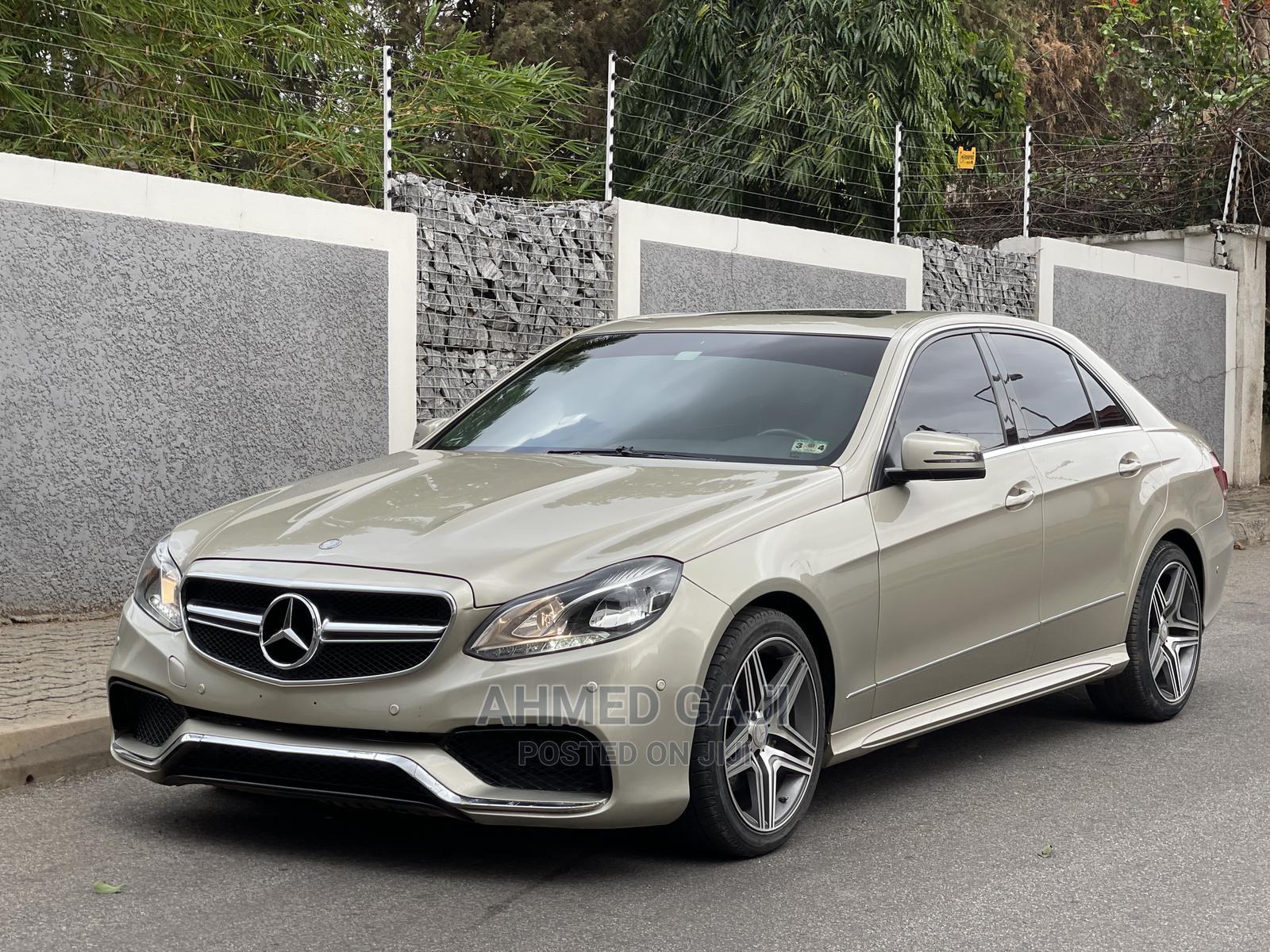 Mercedes-Benz E350 2011 Gold