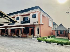 Lovely 4bedroom Terrace for Sale | Houses & Apartments For Sale for sale in Lagos State, Lekki