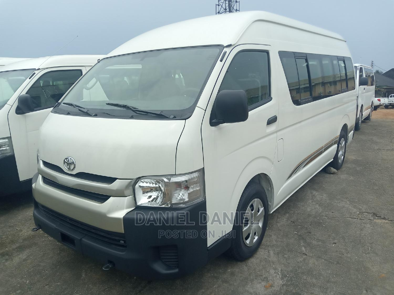 Archive: Used Toyota HiAce 2013 White