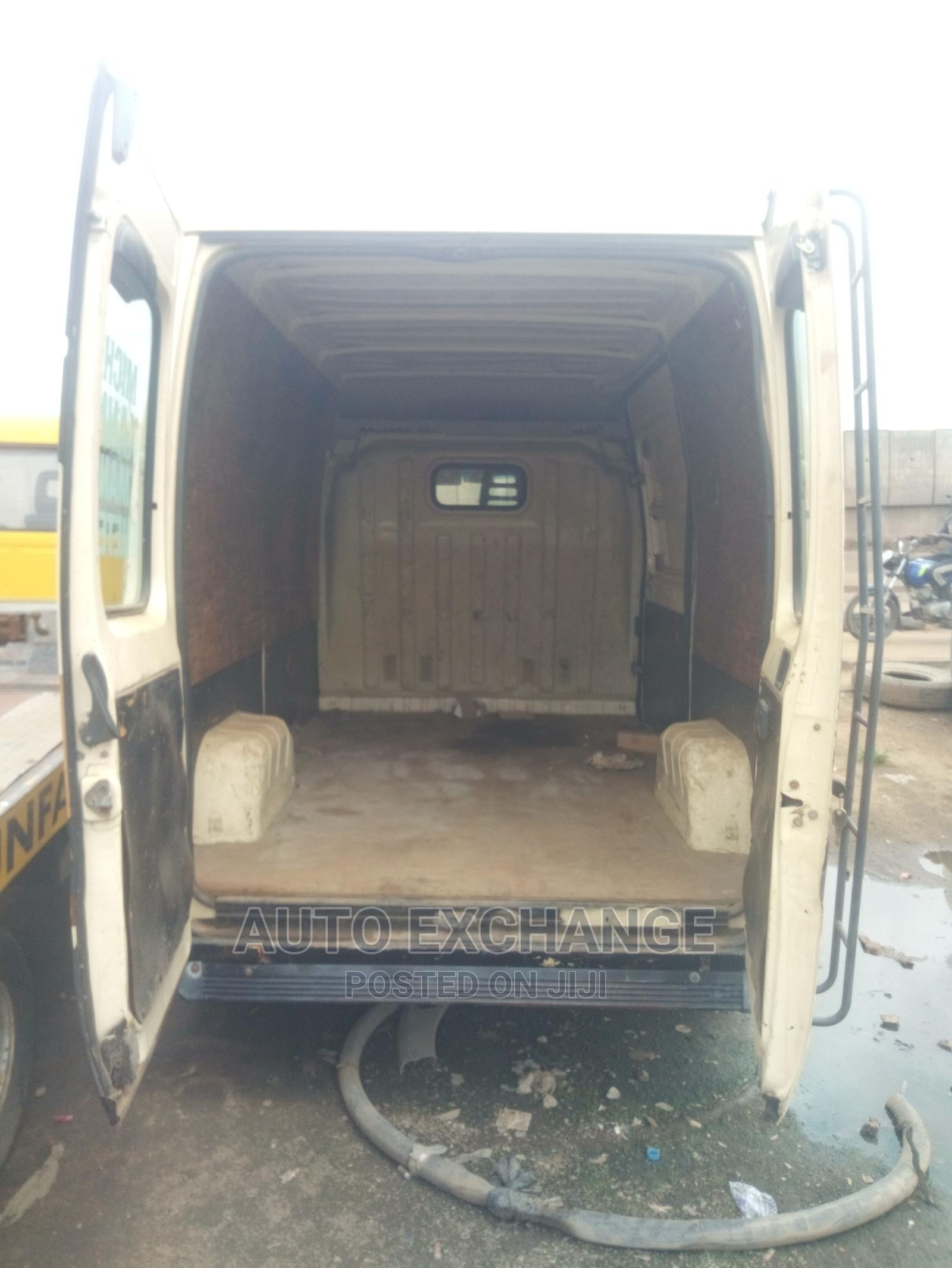 Peugeot Boxer Bus For Business