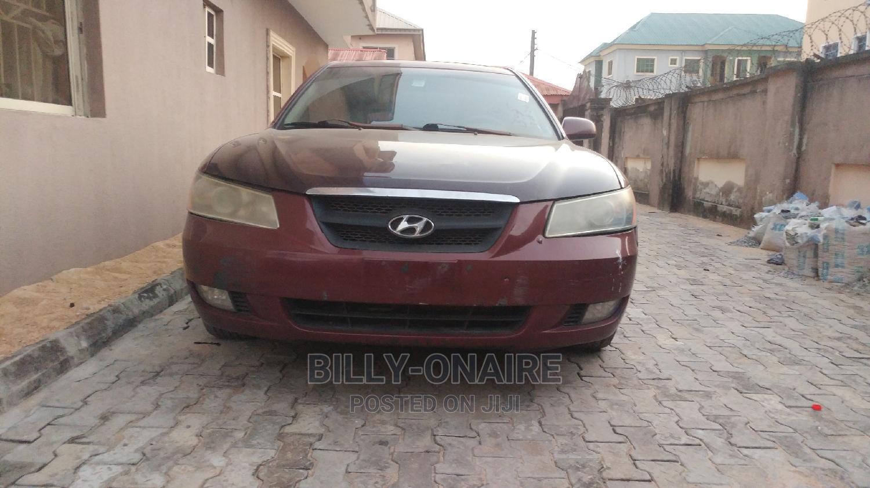 Archive: Hyundai Sonata 2009 Red