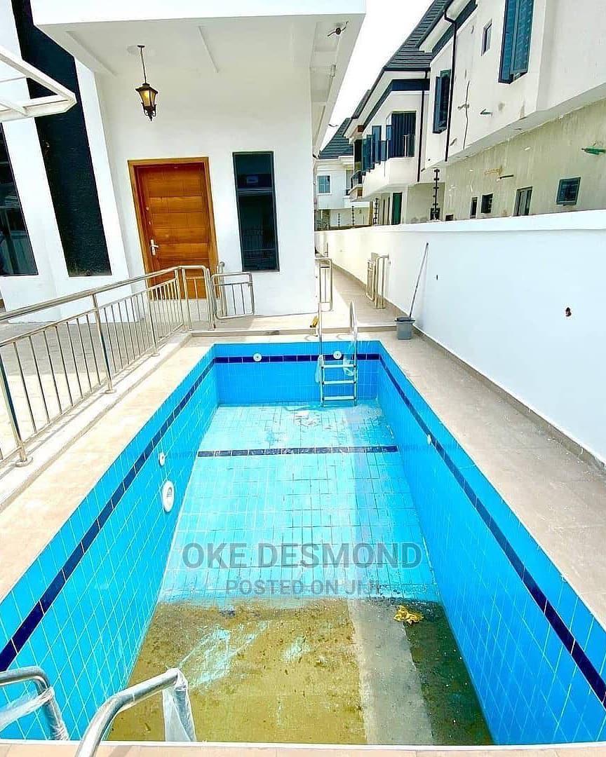 Archive: Massive 5 Bedroom Detached Duplex For Sale.