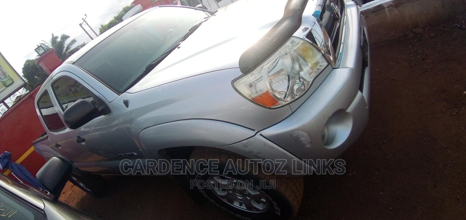 Toyota Tacoma 2006 Access Cab Silver | Cars for sale in Oshimili South, Delta State, Nigeria