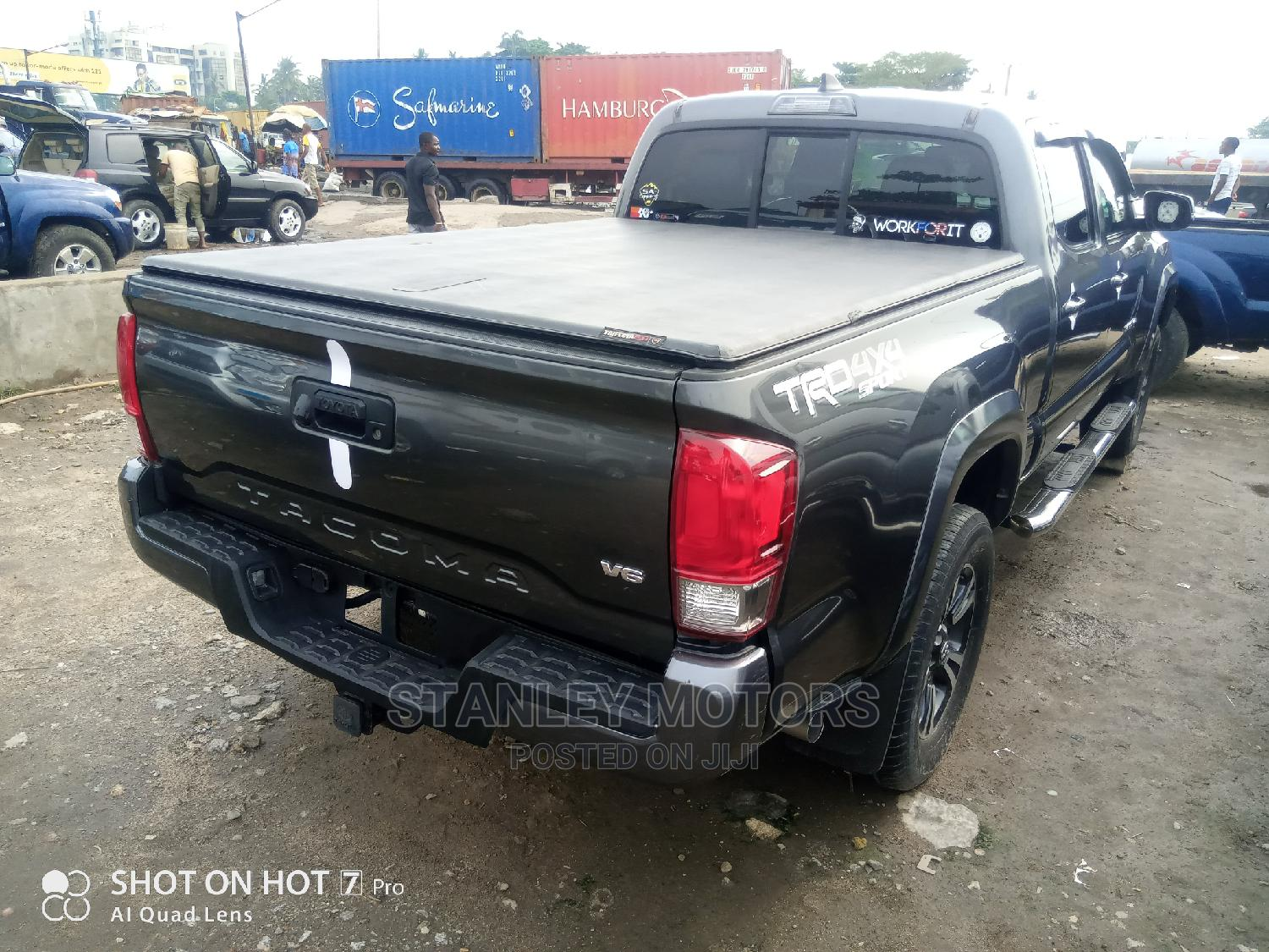 Archive: Toyota Tacoma 2019 Limited Gray