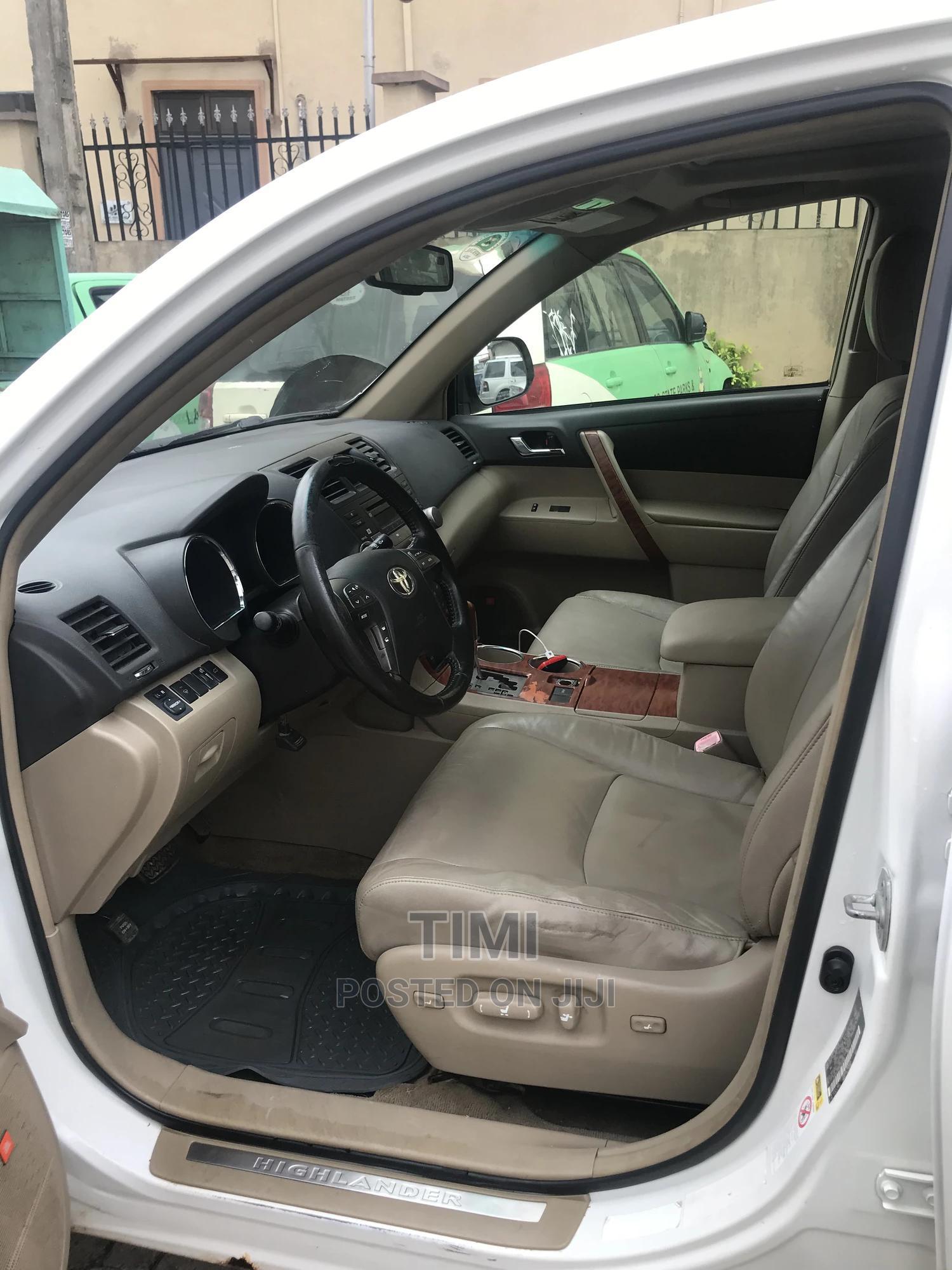Toyota Highlander 2010 White | Cars for sale in Ikeja, Lagos State, Nigeria