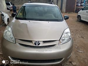 Toyota Sienna 2008 LE Gold   Cars for sale in Lagos State, Alimosho