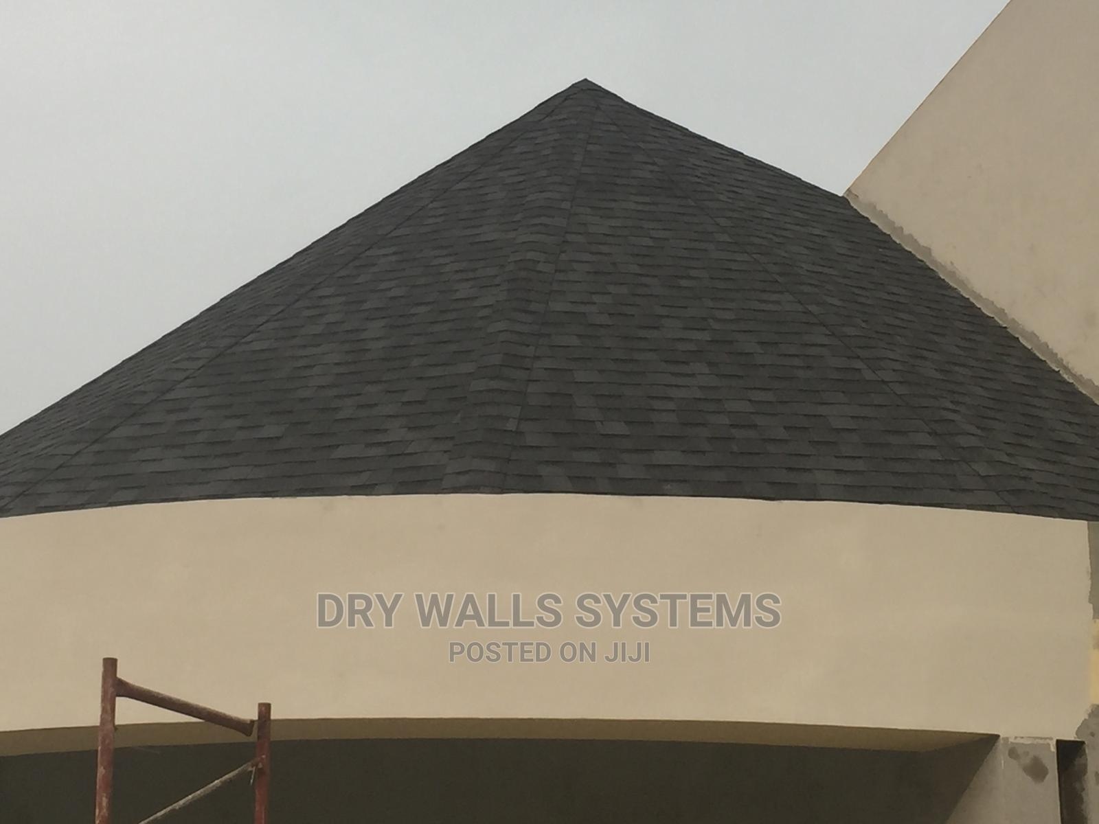 Archive: Tropical Asphalt Shingles Roof