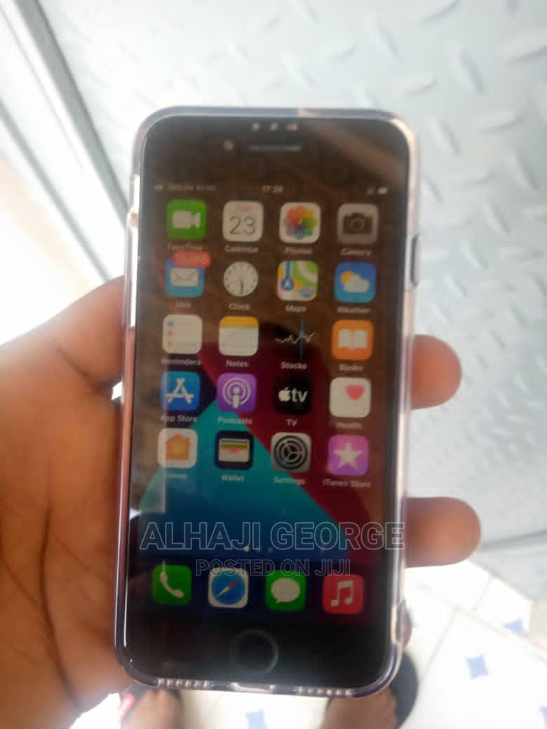 Archive: Apple iPhone SE (2020) 128 GB Black