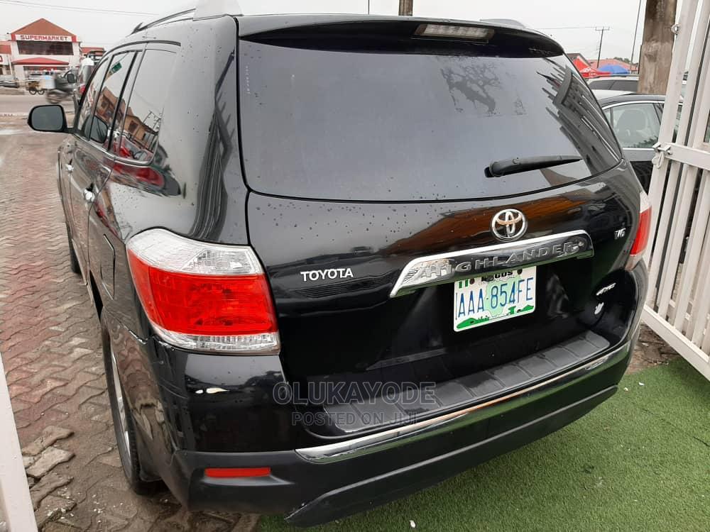 Archive: Toyota Highlander 2010 Limited Black