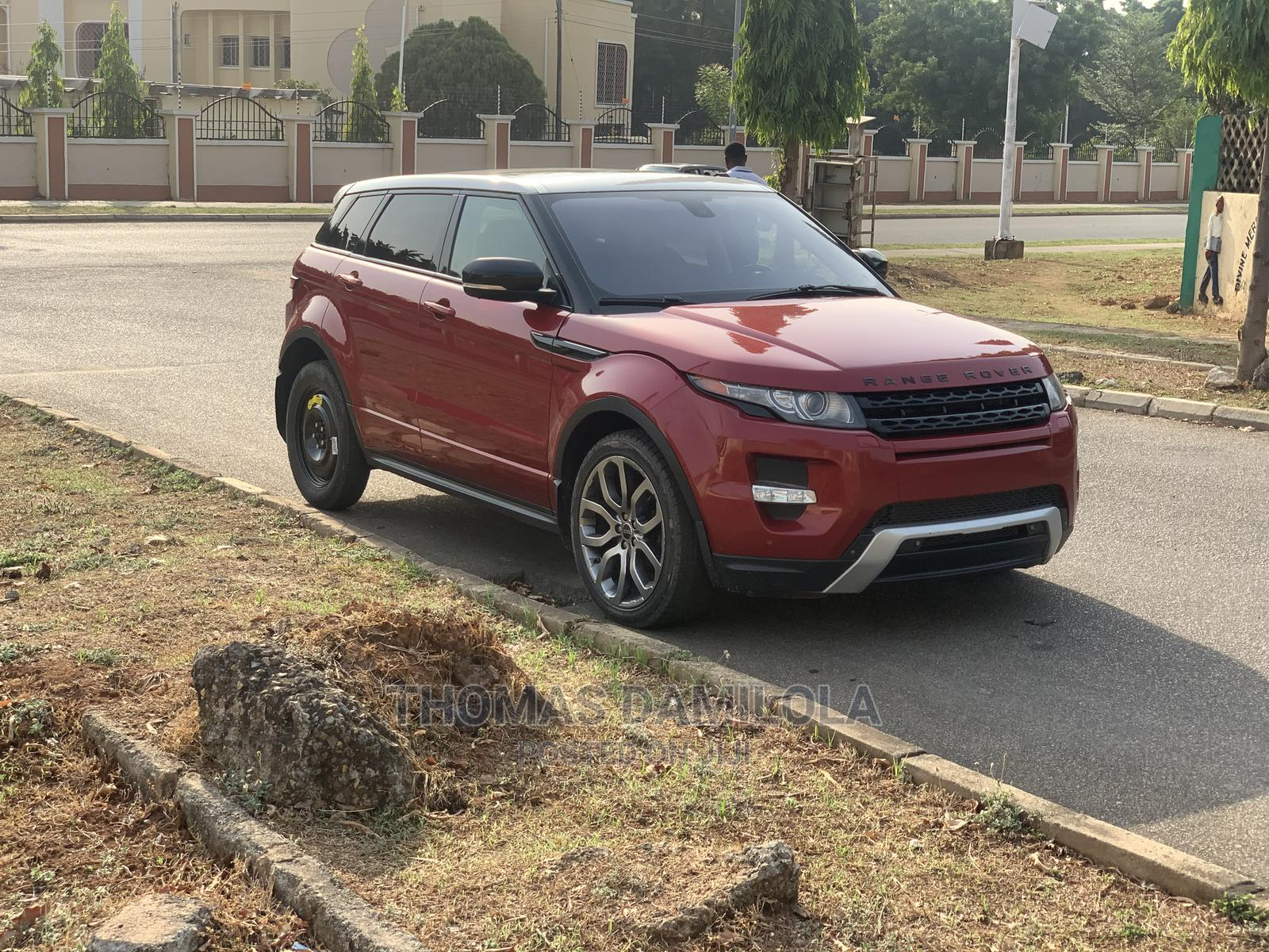 Archive: Land Rover Range Rover Evoque 2014 Red