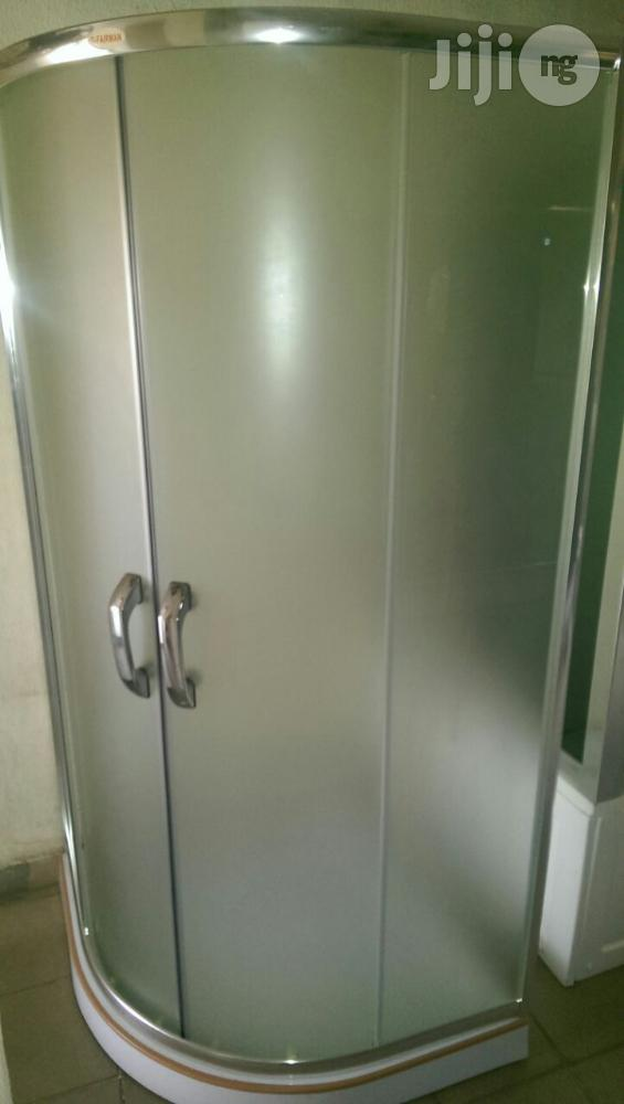 900x900 Frosted Glass Curve Bathroom Cubicle