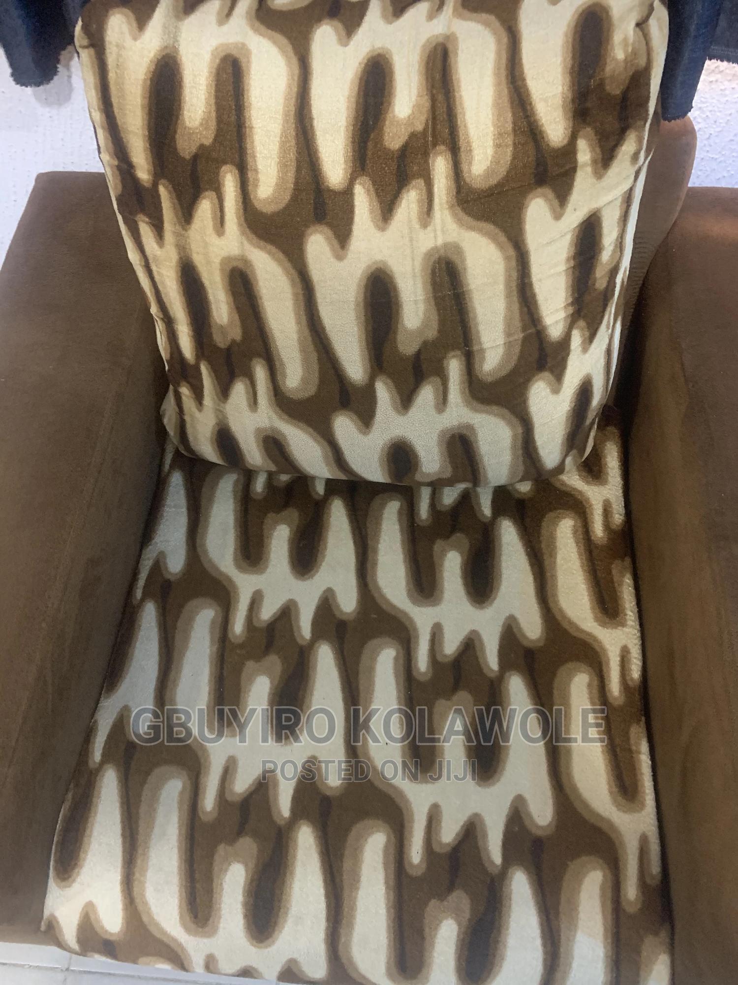 Single Sitter Double Sitter Sofa   Furniture for sale in Ibadan, Oyo State, Nigeria