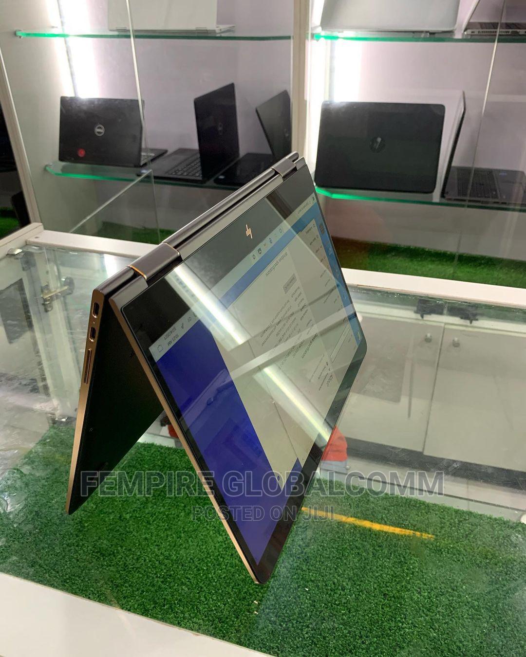 Archive: Laptop HP Spectre X360 13 8GB Intel Core I7 SSD 512GB