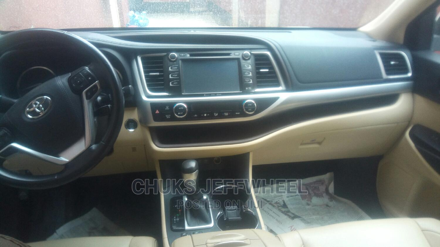Toyota Highlander 2017 XLE 4x4 V6 (3.5L 6cyl 8A) White   Cars for sale in Isolo, Lagos State, Nigeria