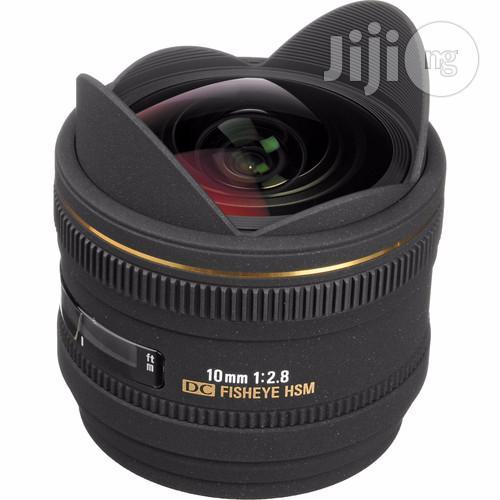 Sigma 10mm F/2.8 EX DC HSM Fisheye Lens