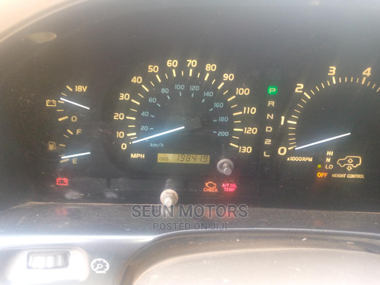 Archive: Lexus LX 2005 Blue