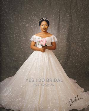 Rent This Wedding Gown Only + 7 Free Bridal Accessories   Wedding Wear & Accessories for sale in Lagos State, Surulere
