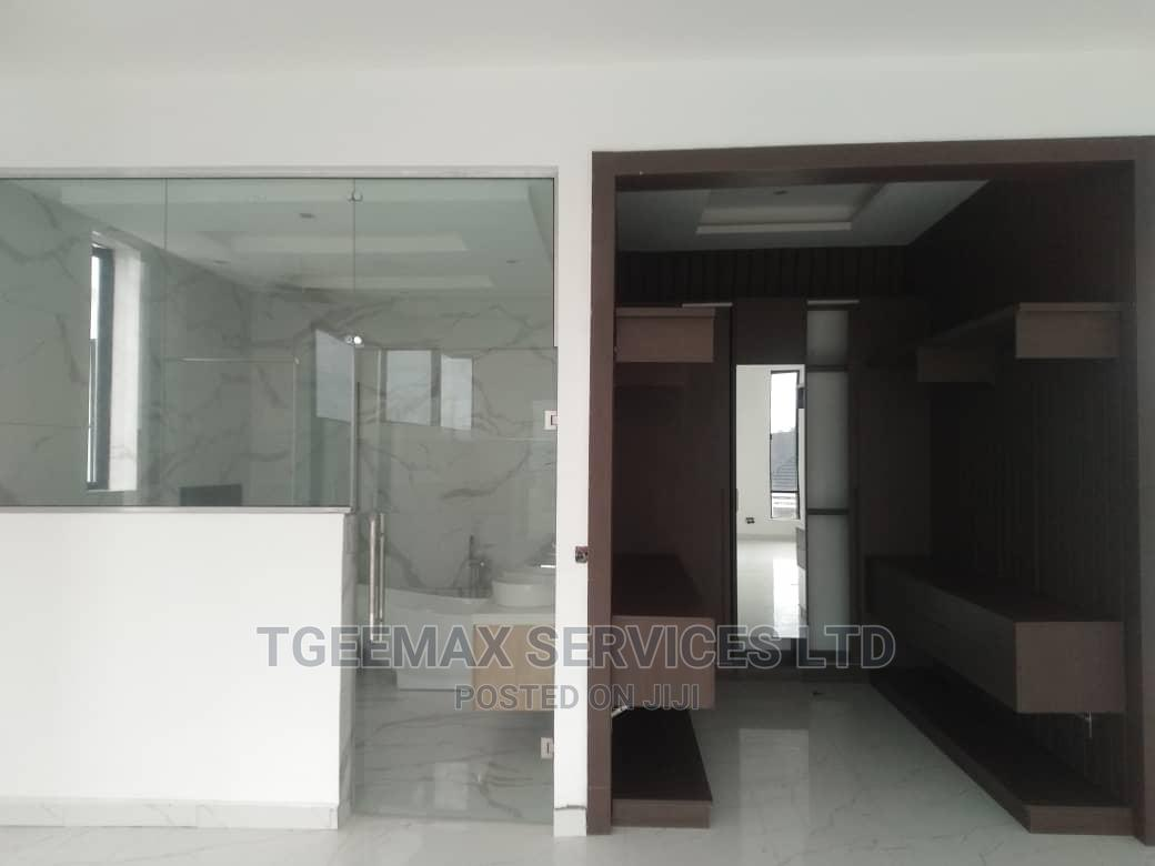 5 Bedrooms Detached Duplex With 2 Rooms BQ in Lekki Phase 1 | Houses & Apartments For Sale for sale in Chevron, Lekki, Nigeria