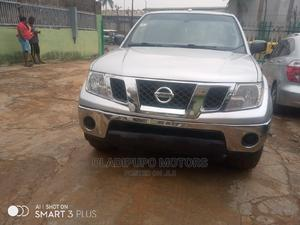 Nissan Frontier 2011 Crew Cab LE 4x4 Silver | Cars for sale in Lagos State, Alimosho